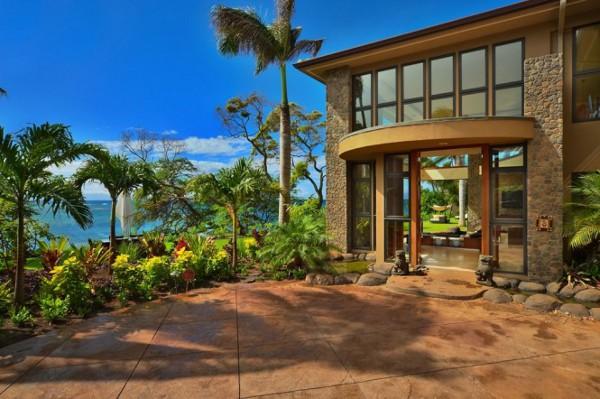 Jewel-of-Kahana-Beach-House-11