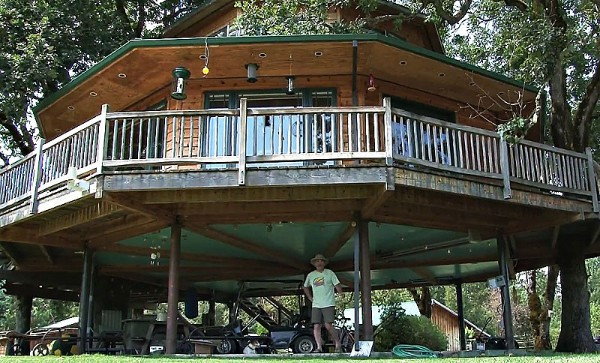 Largest Tree House in the World 2