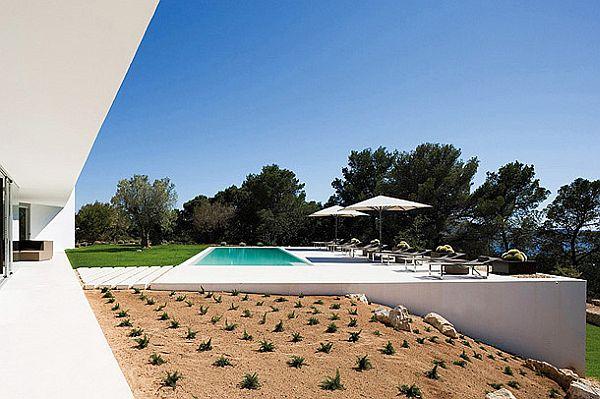 Mesmerizing IXOS House in Spain 3