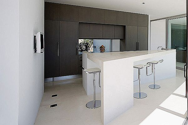 Mesmerizing IXOS House in Spain 8