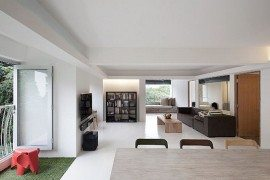 Minimalist Singapore House Redefines Open Spaces Concept