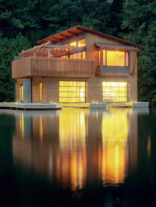 Muskoka Contemporary Boathouse 1 Muskoka Boathouse is Nostalgia Reconstructed