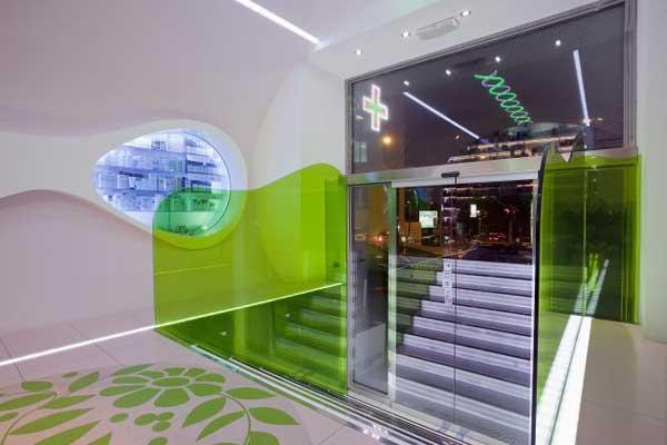 Awesome modern pharmacy design by karim rashid for Modern pharmacy design