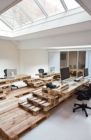Recycled Pallet Office BrandBase Amsterdam 1