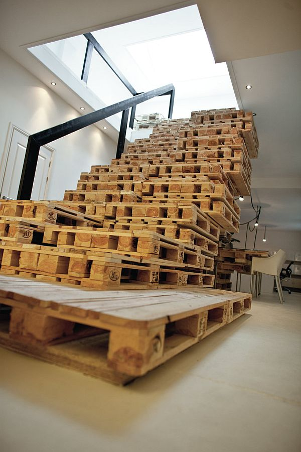 Recycled Pallet Office BrandBase Amsterdam 3