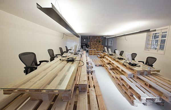 Recycled Pallet Office BrandBase Amsterdam 8