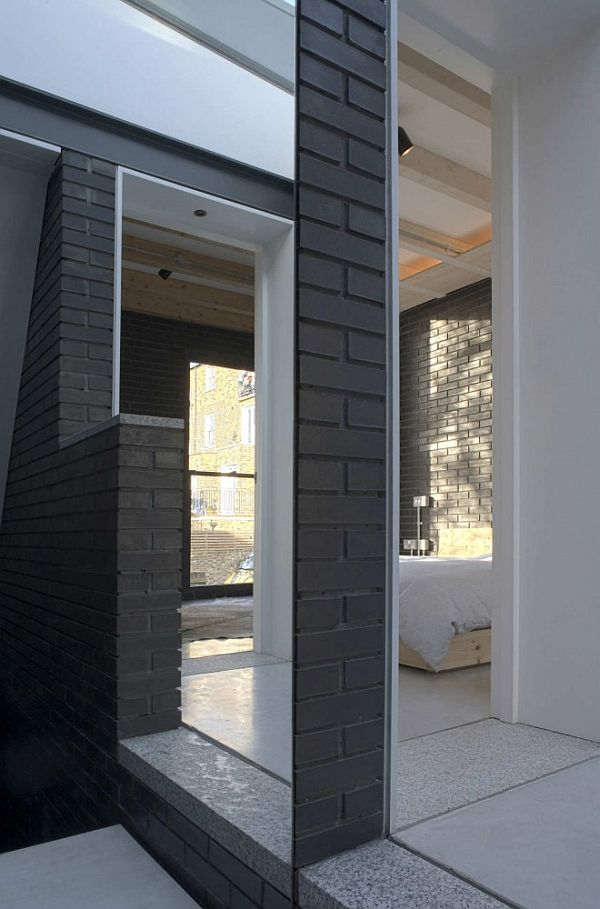 Small House in London 2 Award Winning Small House in London With a Dark Brick Exterior