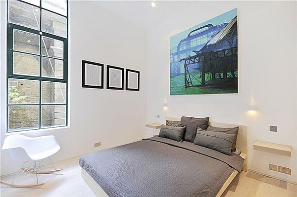 Sophisticated Clink Street Flat 12