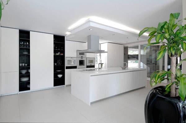 Spectacular-Modern-Villa-14