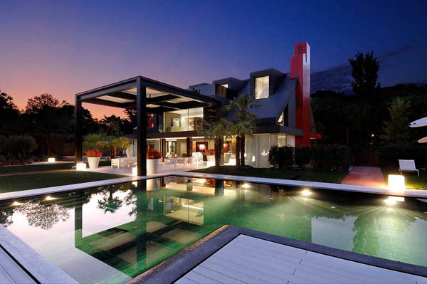 Spectacular Modern Villa 2 Contemporary Chalet House in Madrid Looks Nuts