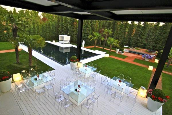 Spectacular-Modern-Villa-21