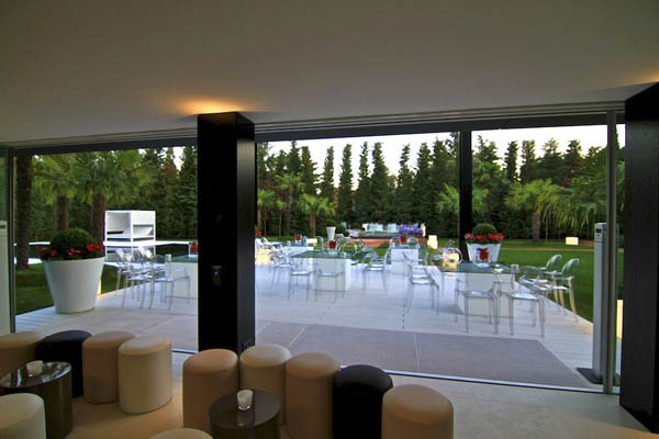 Spectacular-Modern-Villa-7