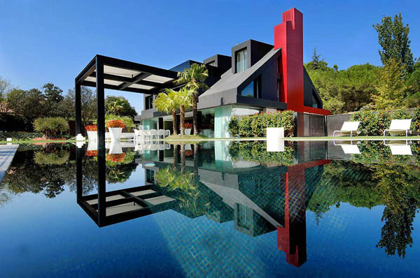 Spectacular Modern Villa Contemporary Chalet House in Madrid Looks Nuts