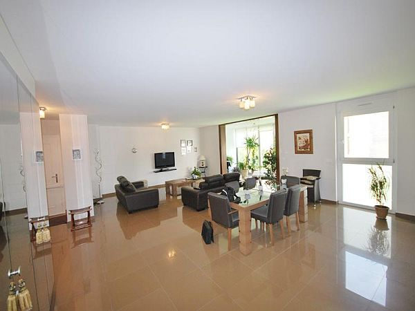 Stunning luxury apartment in other geneve switzerland for Cristina woods apartments