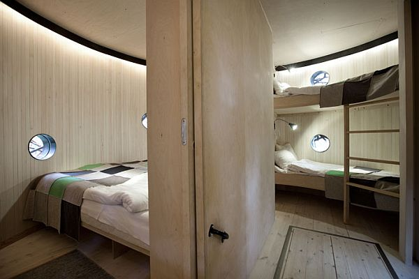 Sweden treehotel contemporary design meets nature for Cube suites istanbul