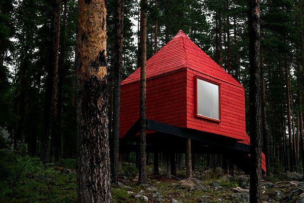 Sweeden-Treehotel-Blue-Cone-2