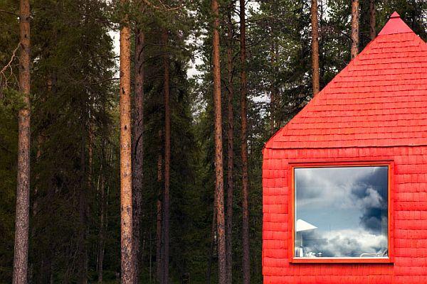 Sweeden-Treehotel-Blue-Cone-4
