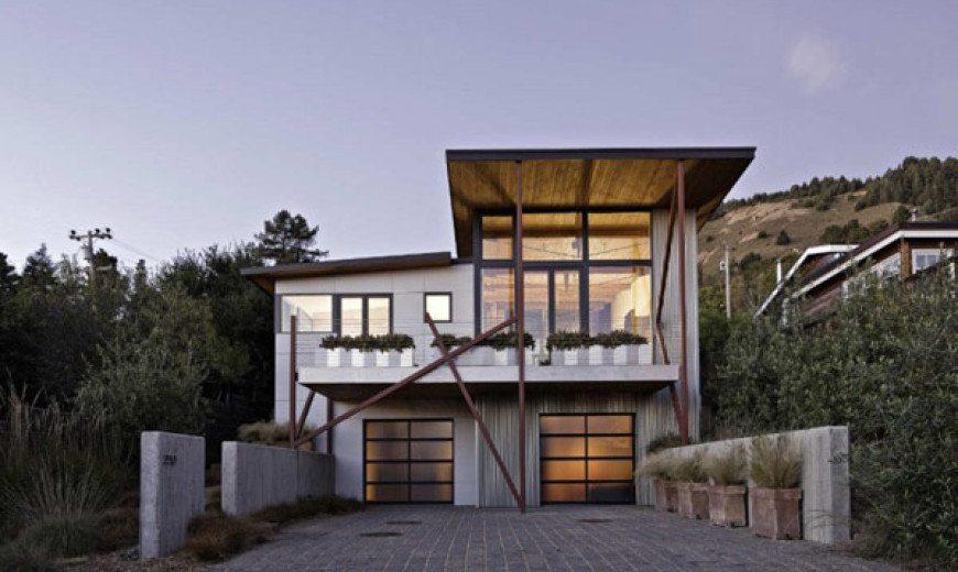 Beach Houses: Contemporary Stinson Residence Has the Ocean as Neighbor