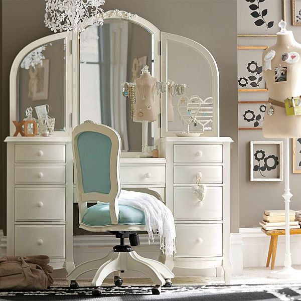 Teen bedroom vanity