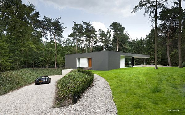 Villa Veth 1 Villa Veth is a Blend of Modern and Classical Architecture