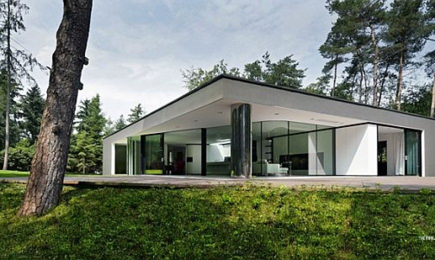 Villa Veth is a Blend of Modern and Classical Architecture