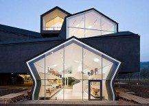 Grandiose Vitra House: Home for Designer Furniture