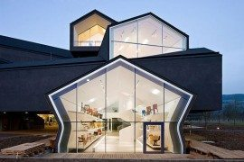 Grandiose Vitra House: Home for Designer Furniture