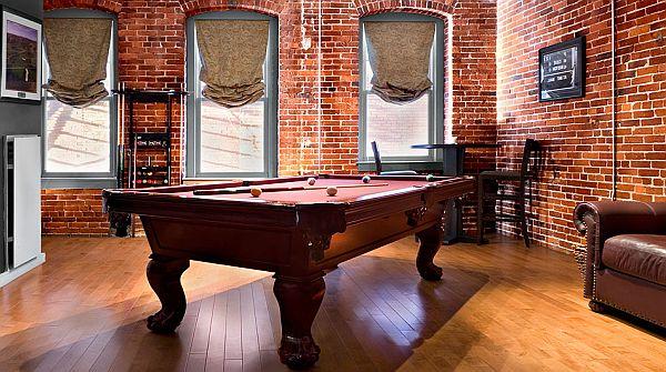 ziegelwand wohnzimmer:Bachelor Pad Pool