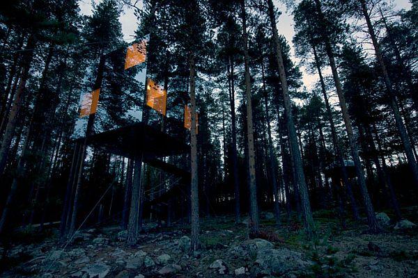 mirror-cube-tree-hotel