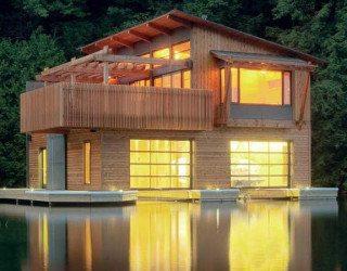 Muskoka Boathouse is Nostalgia Reconstructed
