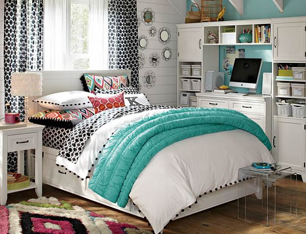 Blue bedrooms for girls home decorating ideas for Blue teenage bedroom ideas