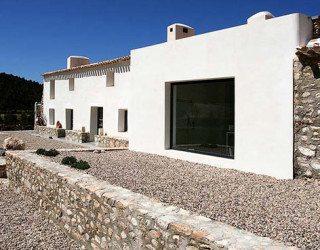 Sustainable Artist's Retreat Under The Spanish Sun