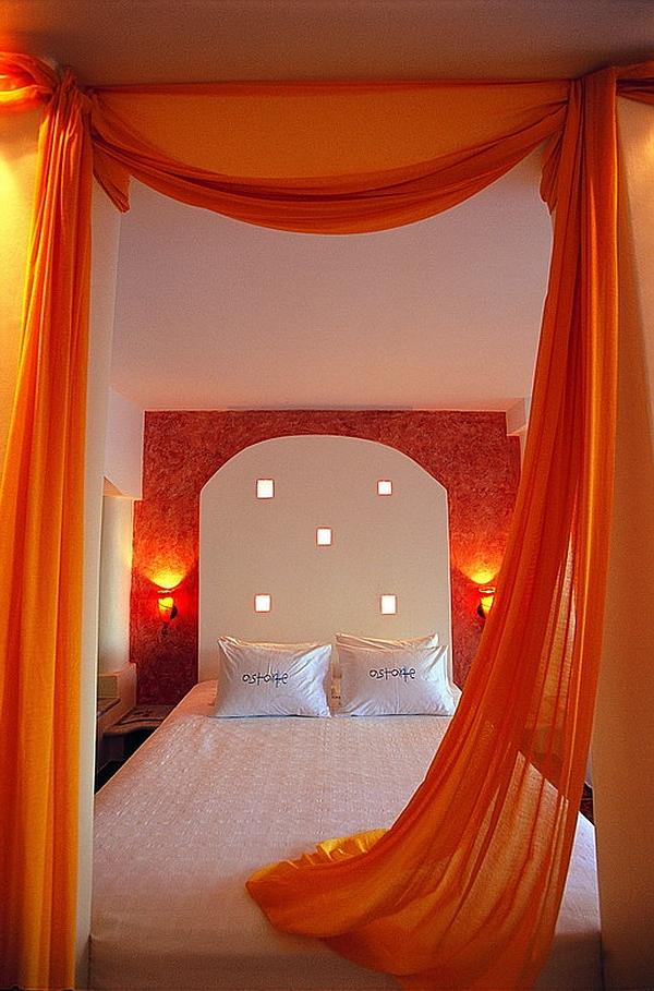 Astarte Suites Santorini baldaquin apartment