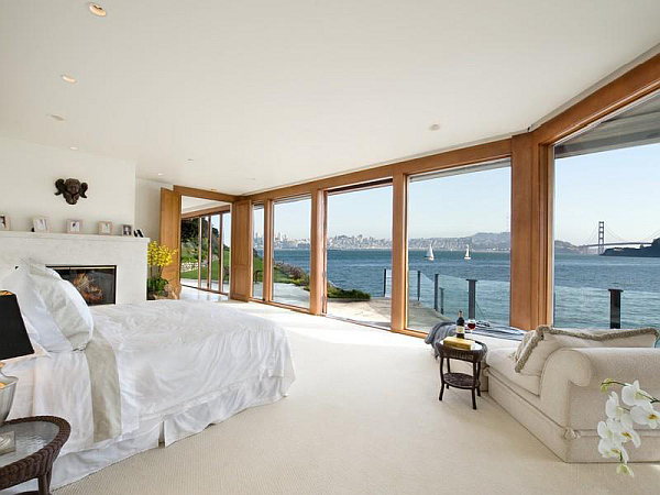 Bedroom with amazing sea view