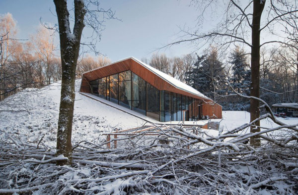 Cabin by denieuwegeneratie Modern House With its Own Mountain