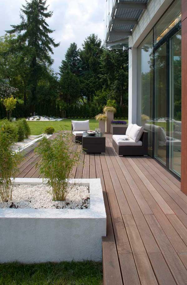 Contemporary Eko Park Apartment Decked Garden