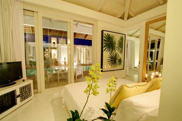Contemporary-Thailand-Villa-bedroom-view