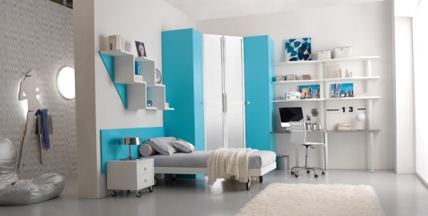 Decorate-Your-Kids-Rooms-with-blue-and-silver