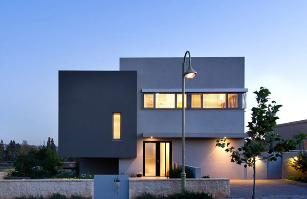 Hasharon House by Sharon Neuman Architects 2 Split Level Hasharon House Overlooking Agricultural Fields