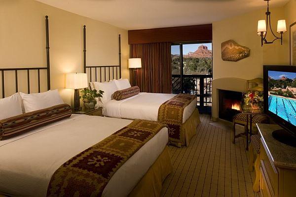 hilton sedona resort and spa bedroom
