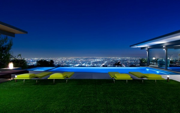 Hopen Place House pool views