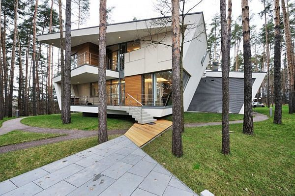 House in the Forest Moscow front view House in the Woods Offers Lots of Tranquility