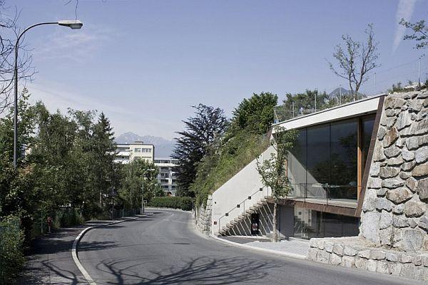 Innsbruck Atelier – Office Under the Garden 1