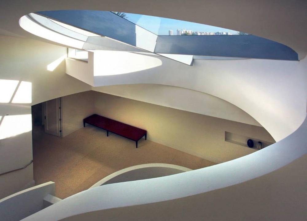 La Gorce Residence in Miami rounded shaped interior