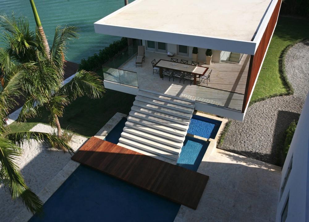 La Gorce Residence in Miami upper view balcony