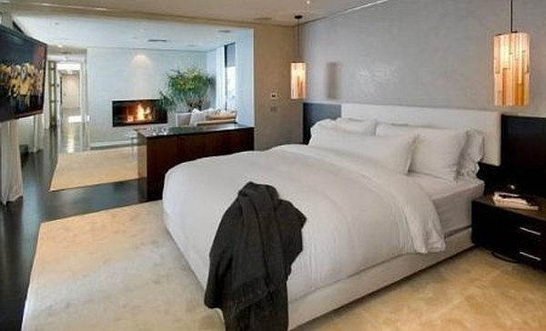 Malibu Contemporary Villa – modern bedroom