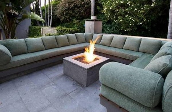 Malibu Contemporary Villa – outdoor sofa