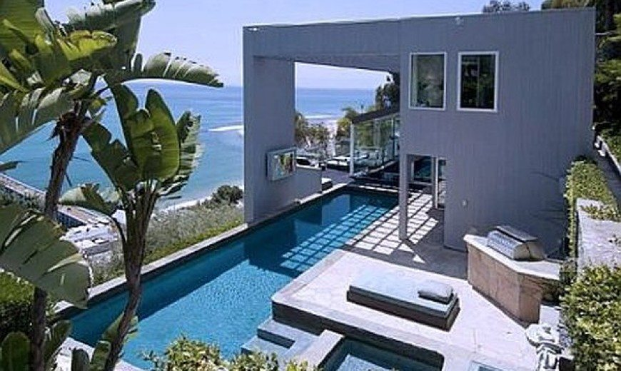 Ultra-modern Malibu Villa With Outdoor Pool, Spells Luxury