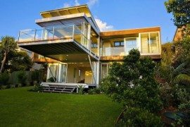 Modern Marcus Beach House by Robinson Architects in Queensland