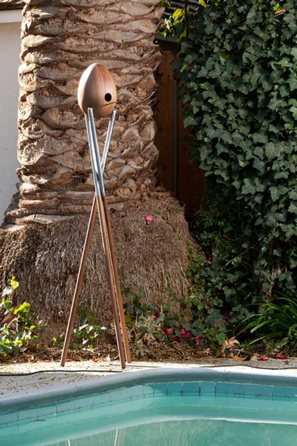 Modern Birdhouse Modern Birdhouse for a Contemporary Dream Garden